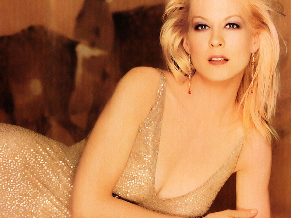 Jenna Elfman Wallpapers