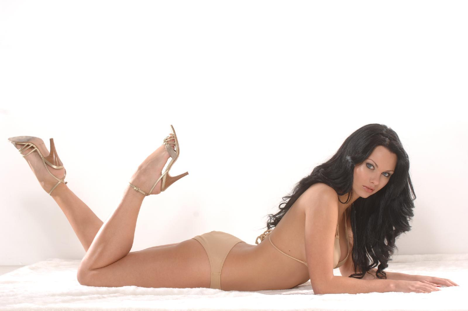 Jessica Jane Clement - Wallpaper