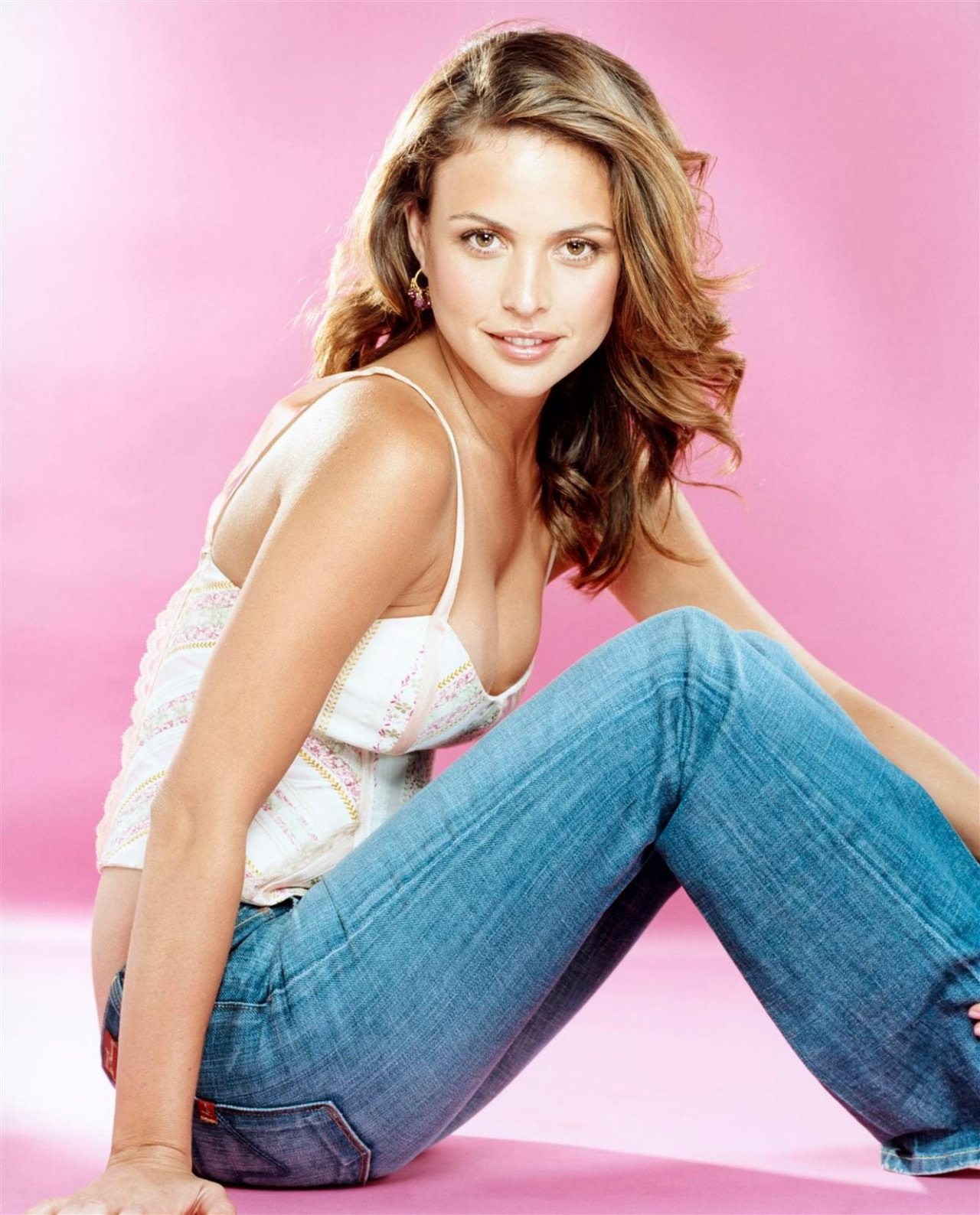 Josie maran wallpapers 77992 top rated josie maran photos for Maran house
